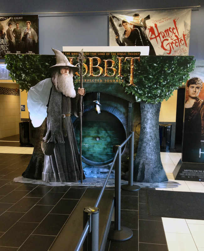 Popon | Image Gallery | The Hobbit Unexpected Journey Movie Standee
